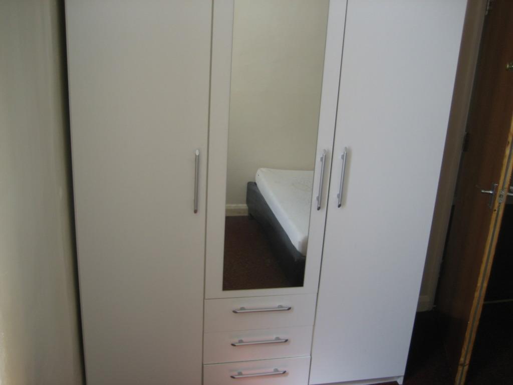 4 bed gresham rd (3)