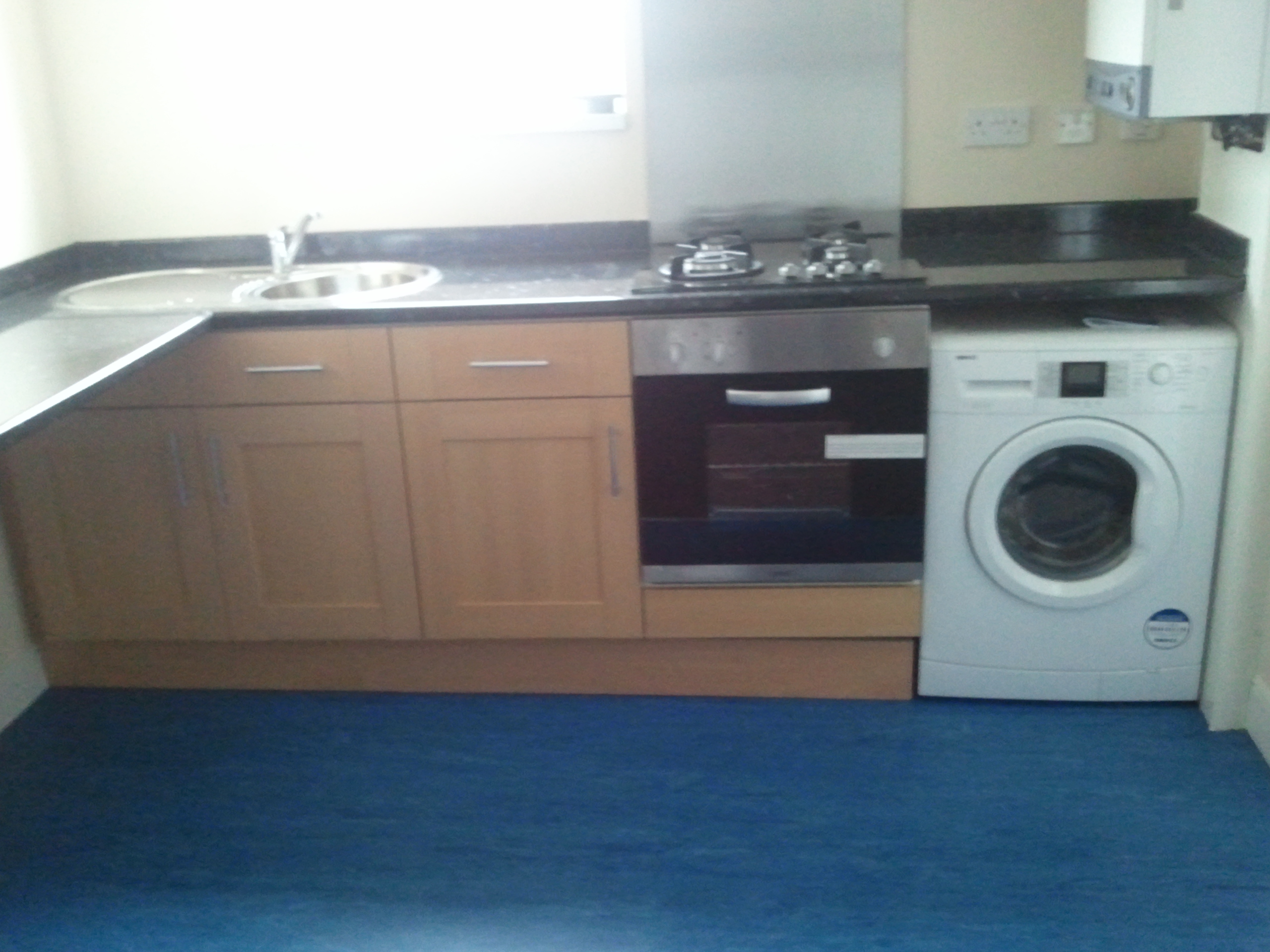 2 Bed Flat Southfield Rd ( 6 x 2 bed flats available)
